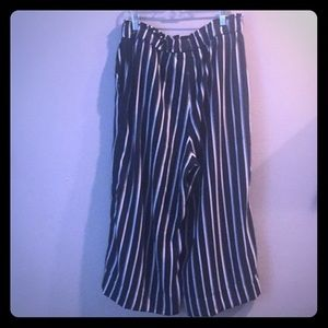 Wide-legged blue & white striped ankle length pant